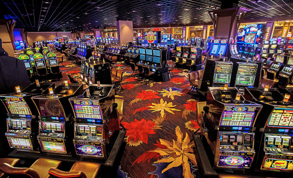 Earning Money By Playing Online Casino Poker Game