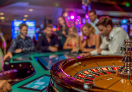 What Online Casino Specialists Do Not Want You To Know